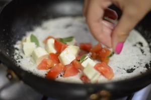 Tapioca com Queijo e Tomate